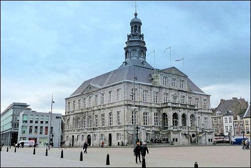 Edgar El (CC BY-SA): Stadhuis van Maastricht