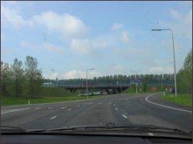 het viaduct van de A12 over het circuit aan de noordzijde (h2006)